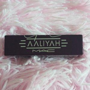 MAC Cosmetics x Aaliyah Frost Lipstick